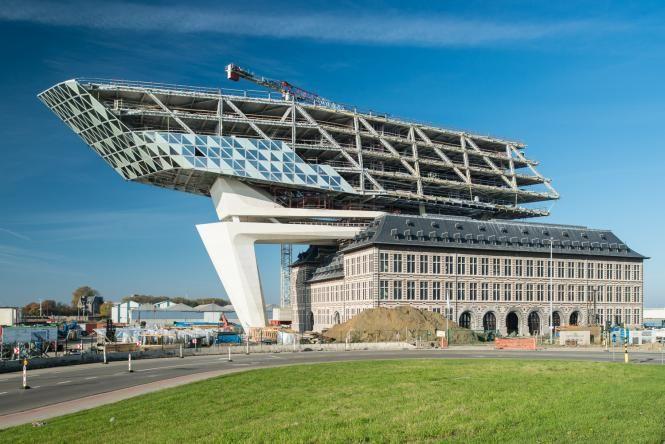 Architube : la Maison portuaire d'Anvers (Zaha Hadid) comme si vous y étiez