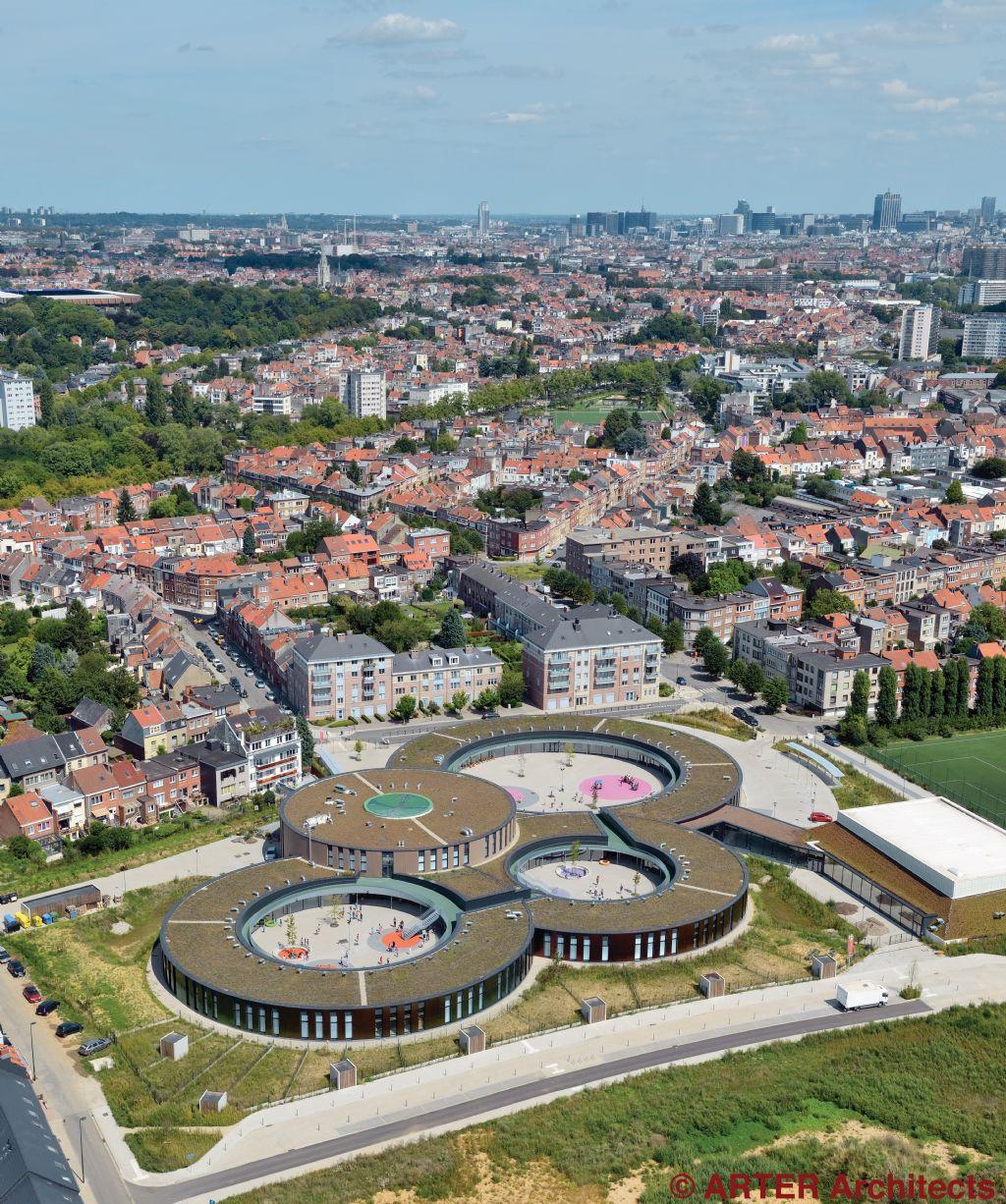 Groendaken fleuren passiefgebouw Les Trèfles in Anderlecht op