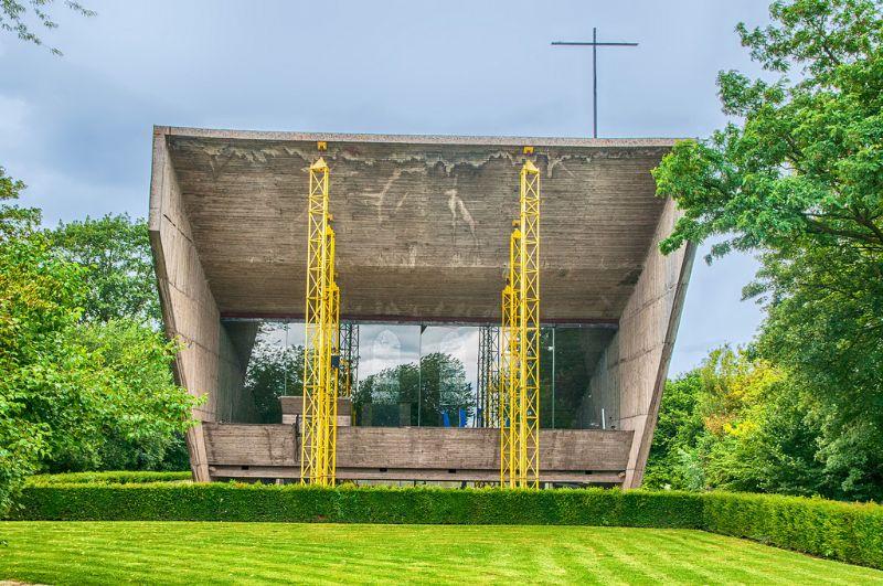 de kapel van Onze-Lieve-Vrouw-van-Kerselare.