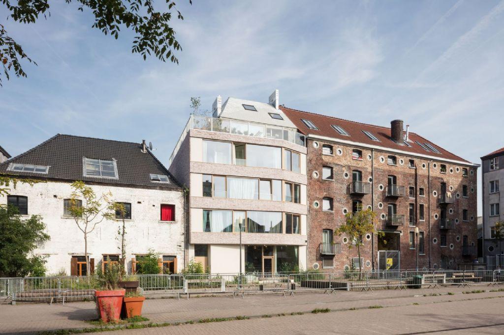 PTArchitecten activeert Zwart Paardplein met eigen kantoorgebouw