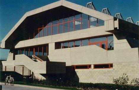 Archipel pleit met petitie voor behoud stedelijk zwembad Oostende