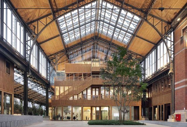Gare Maritime (Neutelings Riedijk Architects i.s.m. Bureau Bouwtechniek en JDMA) wint Belgian Building Award 2021 in categorie Utility Building, eervolle vermelding voor circuskerk van Plano Architecten