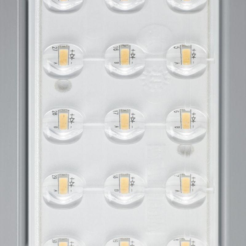 De ledverlichting maakt gebruik van tientallen hoge output LEDs.