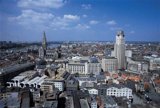 Opinie: b0b van Reeth en Christoph Grafe over een doorstart voor de Antwerpse stadsbouwmeester