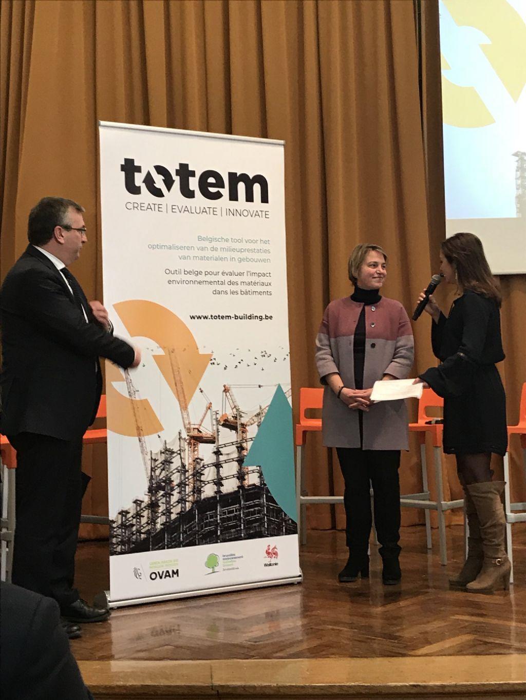 Vlaams minister van Omgeving Joke Schauvliege, en Waals minister van economie, innovatie en de digitale sector Pierre-Yves Jeholet, bij de lancering van TOTEM op Batibouw
