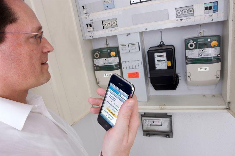 """""""Slimme meters geven energieconsumenten snel waardevolle feedback, wat leidt tot positieve gedragsverandering en een rationeler verbruik,"""" aldus Heidi Lenaerts, Algemeen Directeur van Smart Grids Flanders."""
