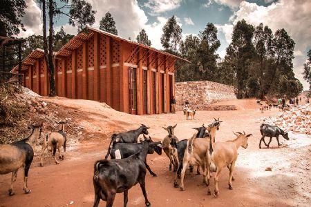 Bibliotheek van Muyingea 5burundi) van BC Architects en Studies - opgetrokken in gestampte aarde