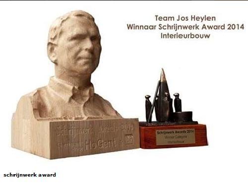 De winnaars van de Schrijnwerk Awards ontvingen een eiken borstbeeld van zichzelf als geschenk.
