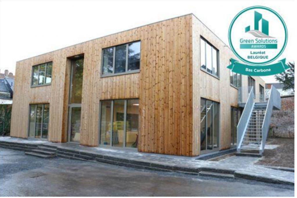 La première école belge avec une structure bois-paille-argile