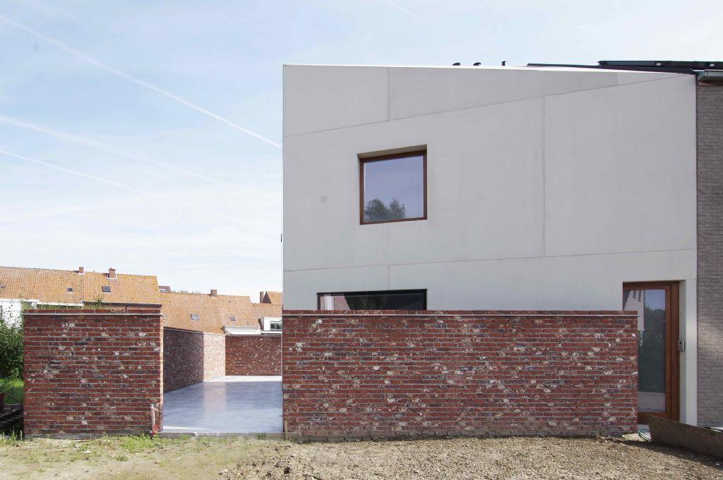 Hoogwaardige prefab betonpanelen als huid voor gezinswoning
