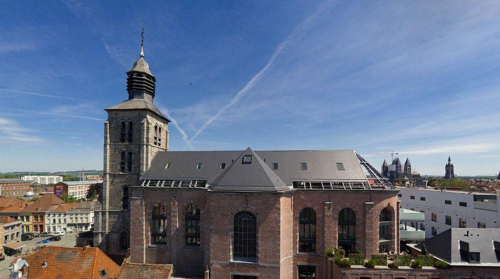 Kerk omgetoverd tot exclusieve lofts