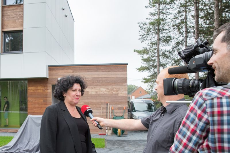 Minister Turtelboom opent Mijn Huis Mijn Architect. Architect: Stijn Van Craen