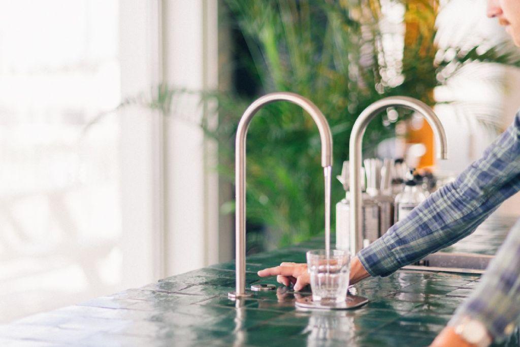 AQUALEX introduceert Touchless® bruiswater uit de kraan