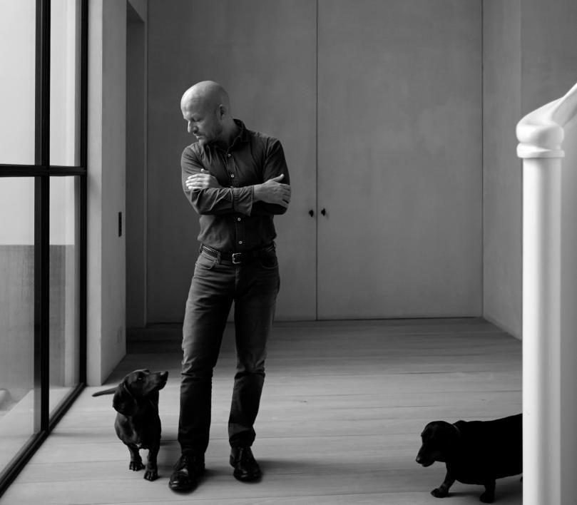 Biënnale Interieur lauwert Vincent Van Duysen als designer van het jaar