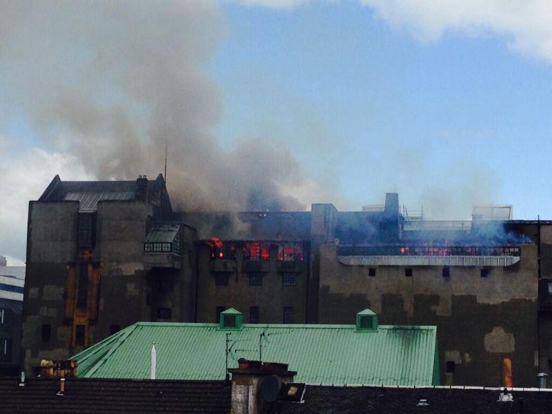 De brand brak vrijdagmiddag uit.