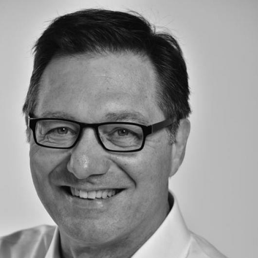 """Marc Hannes: """"Garantie is in België een basiskwaliteit, geen toegevoegde waarde. Hecht dan ook belang aan zaken die er echt toe doen, zoals bewezen levensduur van de voorgestelde dakproducten en -systemen."""""""