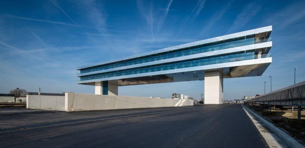 In totaal zijn er 5.500 m² Alucobond-panelen geplaatst. (Beeld: Limeparts-Drooghmans)