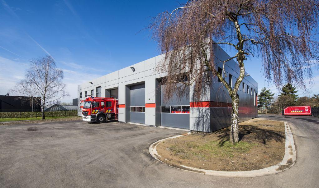 De brandweerkazernes kregen een nieuwe, moderne look dankzij de renovatie.