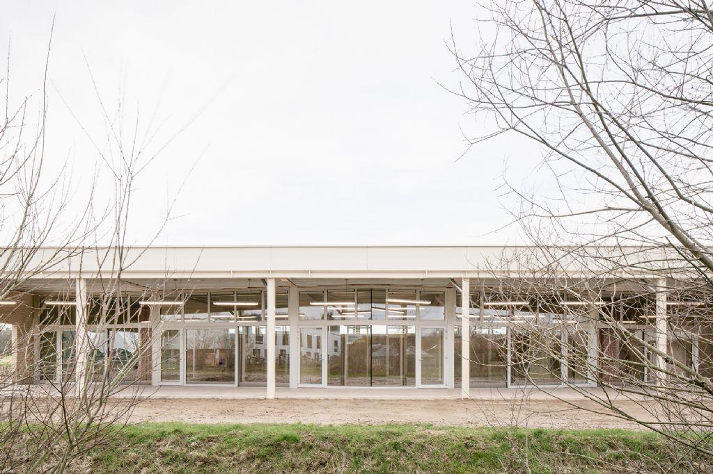 Warot-gebouw, B-ILD