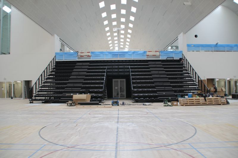 De nieuwe sporthal in Genk is een van de eerste sporthallen in België die volledig verlicht wordt door ledtechnologie.