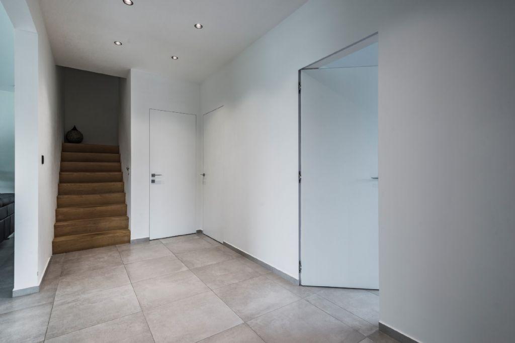 Strakke binnendeuren als sluitstuk voor minimalistisch interieur