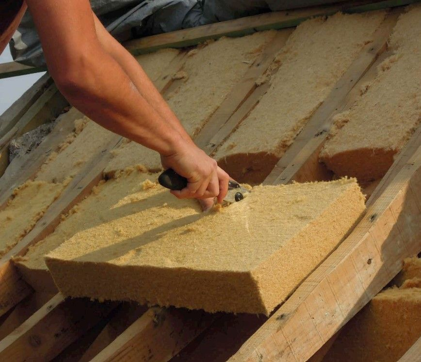 TECHNISCHE INFO. Oververhitting in de zomer: de impact van de aard van de isolatie van hellende daken is miniem