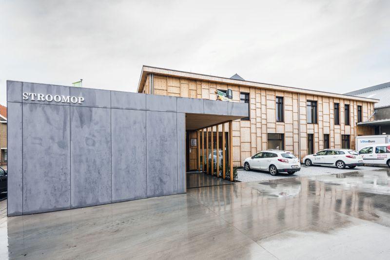 Het nieuwe kantoorgebouw van Stroomop, een toonbeeld van (bio-)ecologie en energie-efficiëntie. (Foto: Marc Sourbron)
