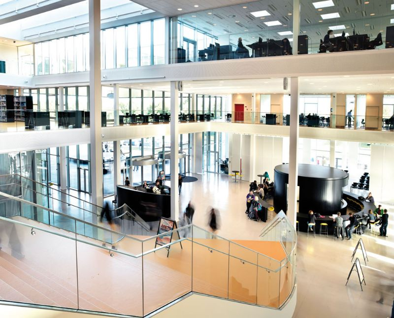 Deense schoolvoorbeelden - Campus Roskilde verenigt ruimte, licht en kunst