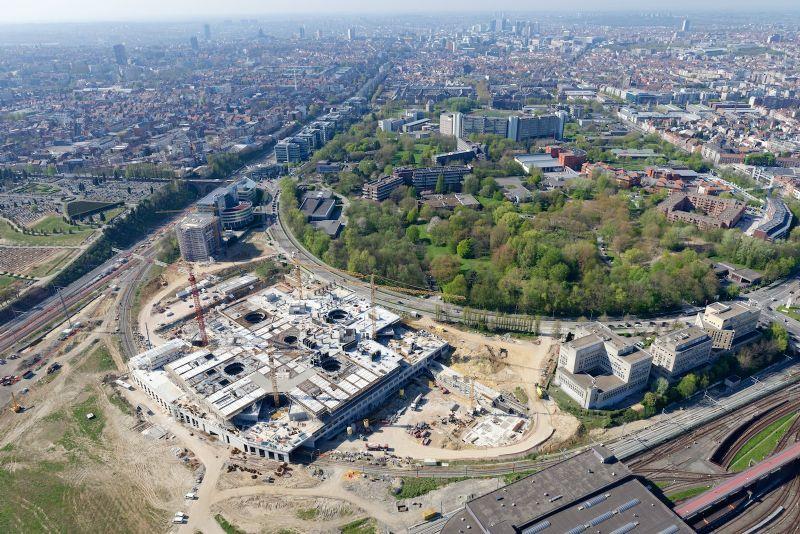 Le projet se situe à Auderghem, en contre-bas du Boulevard du Souverain, sur un territoire de 5 hectares. Il initie une opération urbanistique de plus grande ampleur qui se développera dans les prochaines années.