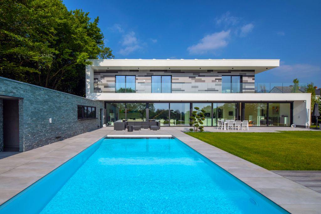 Karakteristieke gevel met dimensie voor opvallende villa