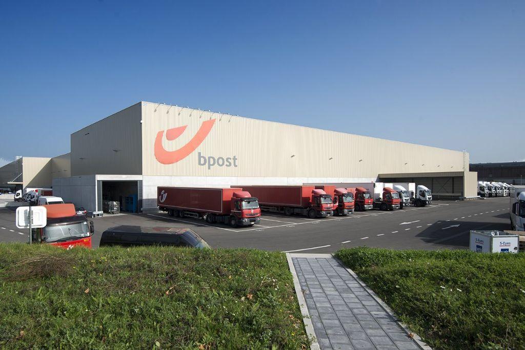 Dakparking voor grootste postsorteercentrum van België