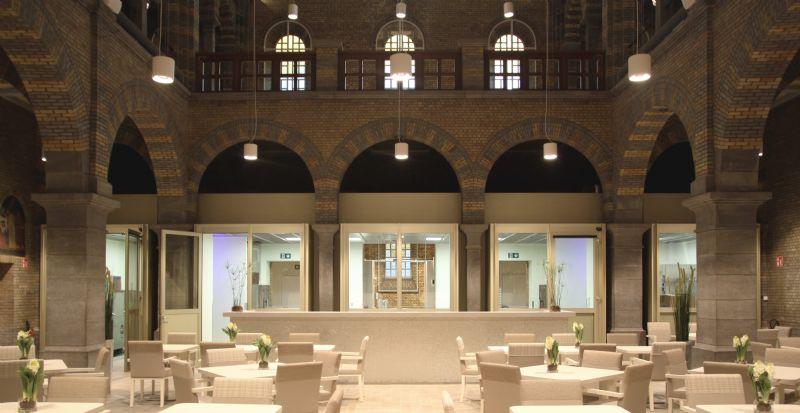 Het interieur van de kerk