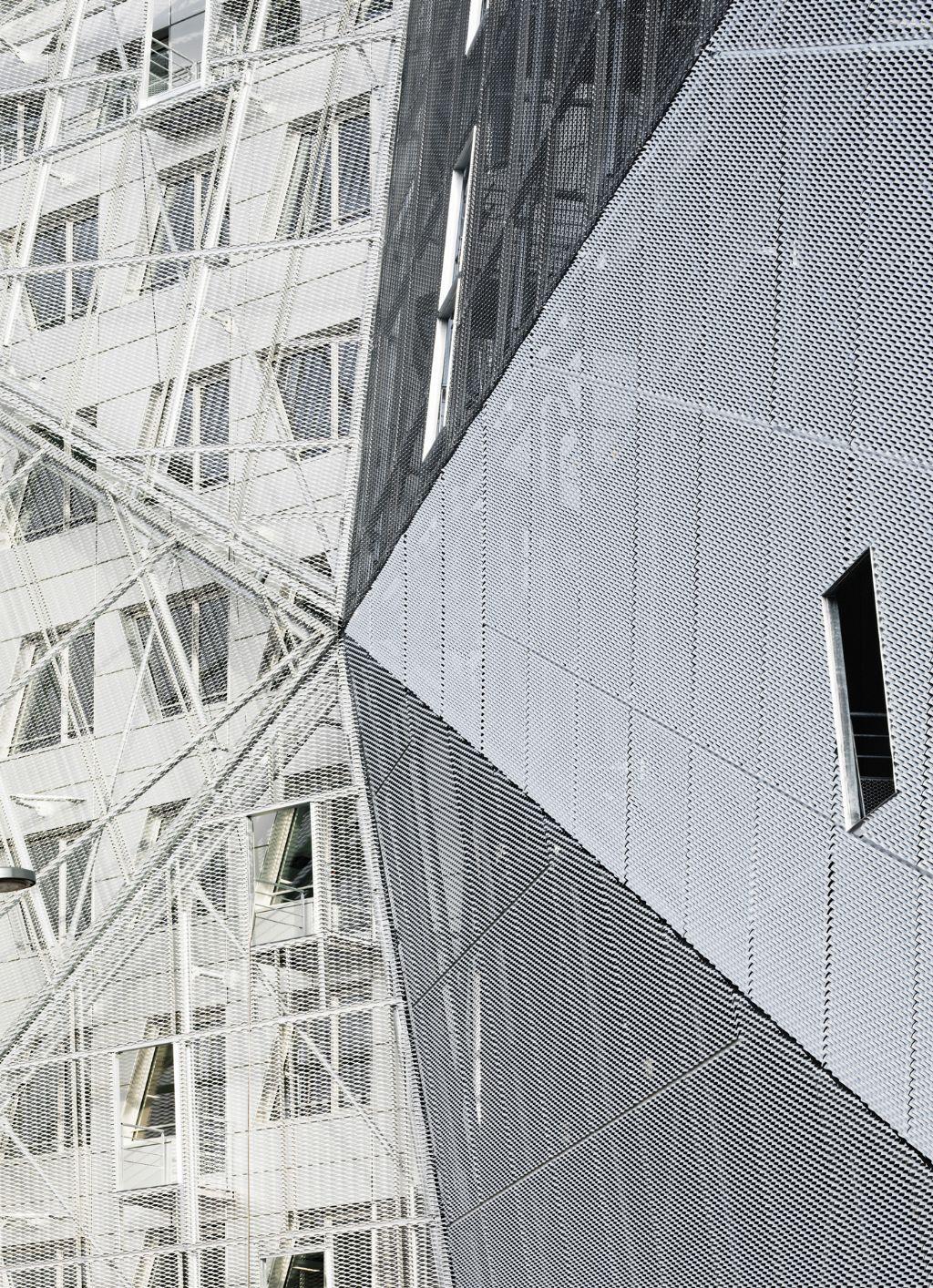 Identity One à Rennes : un vaisseau singulier, ode à l'aluminium