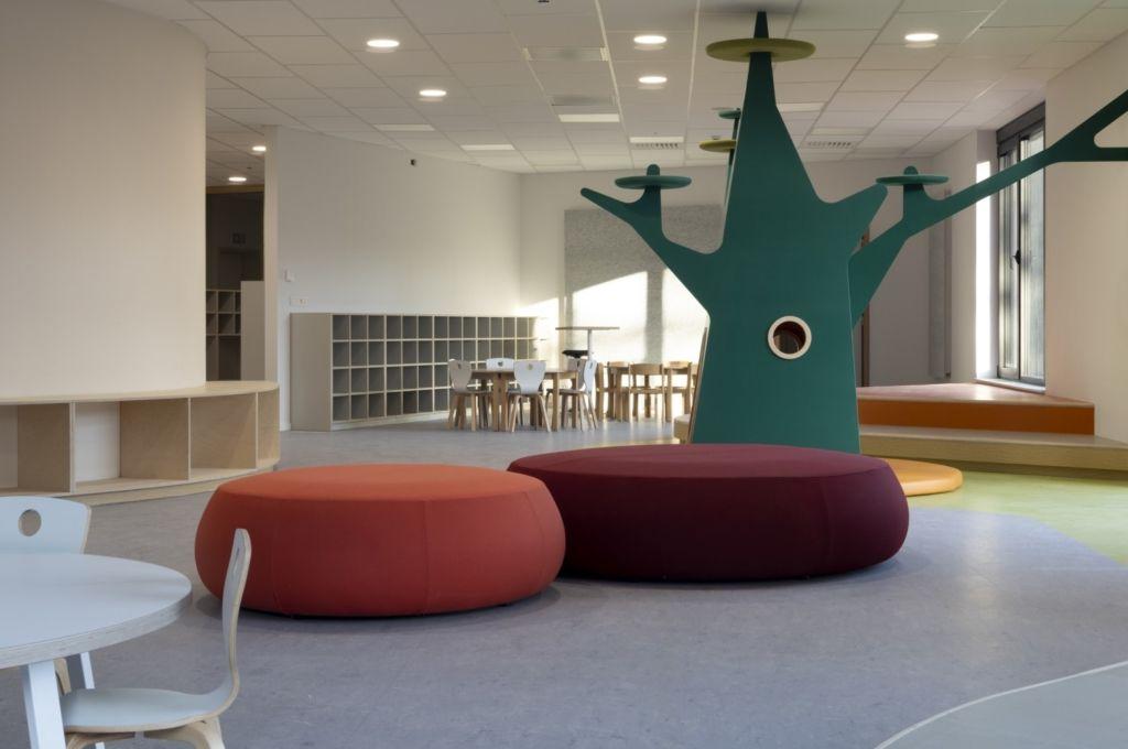 Het nieuwe onderwijs krijgt onderdak in KA Zottegem (B2Ai, Studio Rosan Bosch)