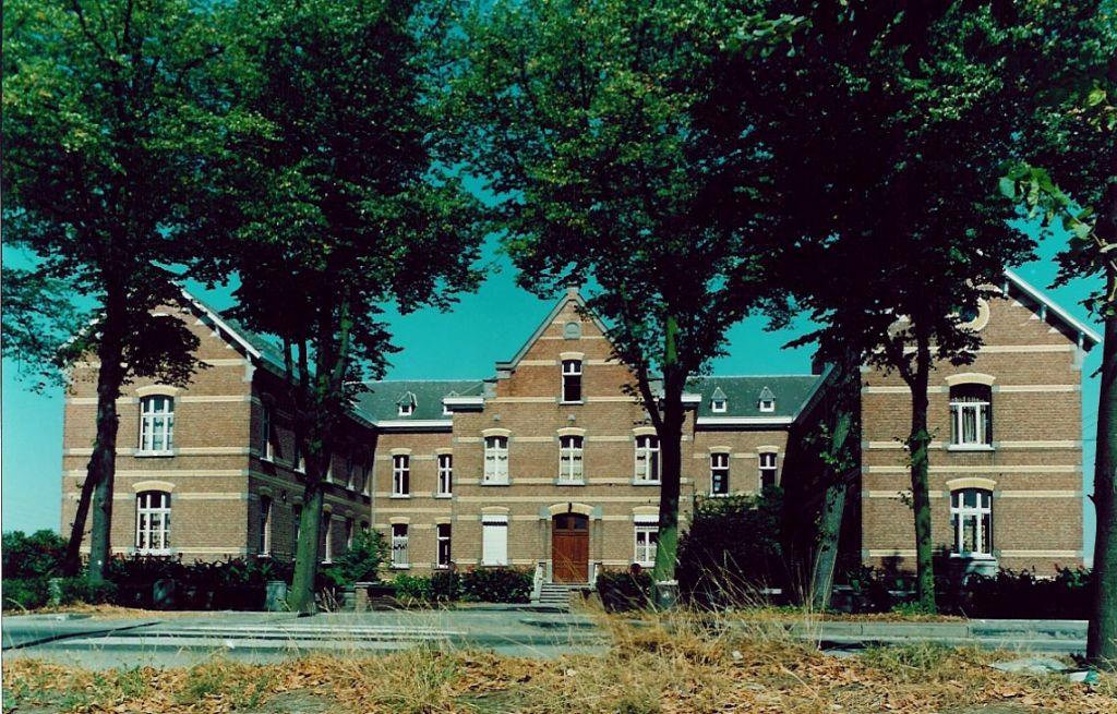 Het vroegere Godshuis Aalmoezenier Cuypers.
