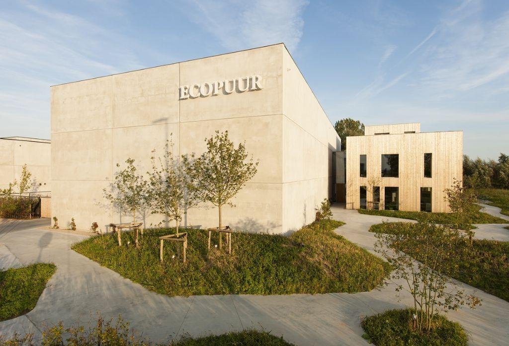 Denc !-studio a remporté le premier prix dans la catégorie Bâtiments utilitaires pour le nouveau bâtiment de l'entreprise Ecopuur à Nevele.