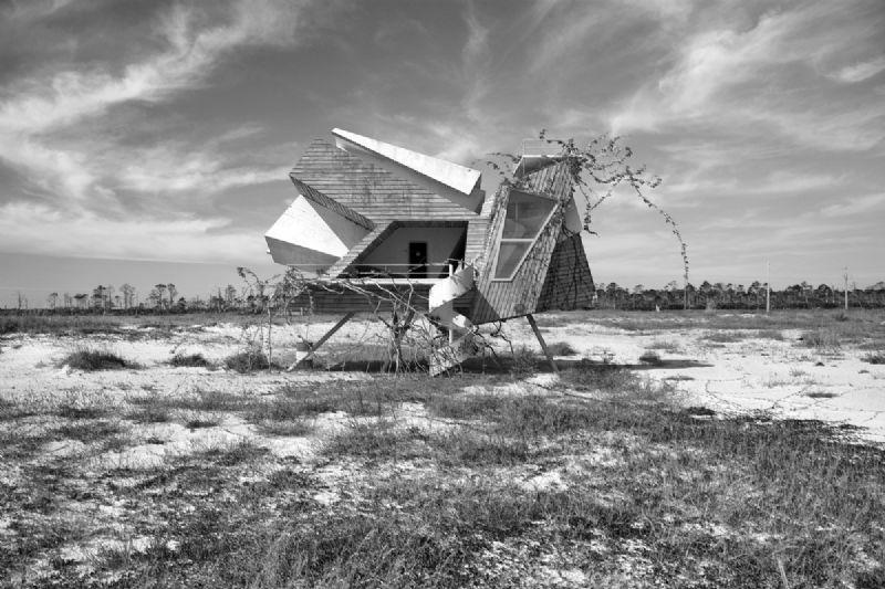 Met Inter-Action wil de kunstenaar architectuur integraal deel laten uitmaken van de natuurlijke omgeving.