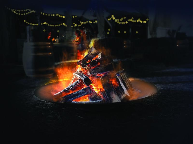 WALFiLii houdt je tijdens lange zomeravonden of een winterbarbecue lekker warm met vuurschalen in Cortenstaal, beschikbaar in vijf formaten.