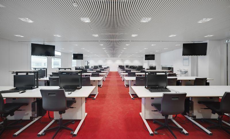 Leercentrum MC Erasmus Rotterdam: akoestisch klimaatplafond SAPPceiling van Interalu.