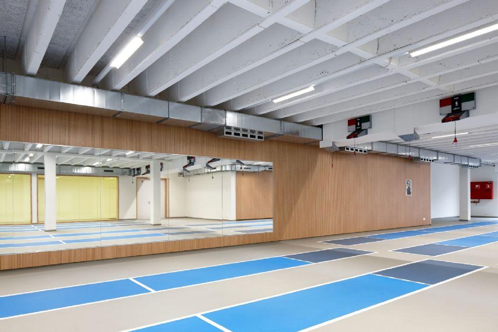 De schermzaal van Sport Vlaanderen in Gent.