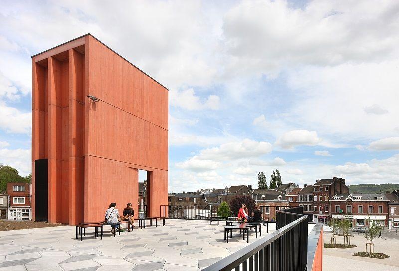 Lauréat dans la catégorie Non résidentiel : la nouvelle gare de Herstal (bureau ARJM), véritable articulation entre espaces