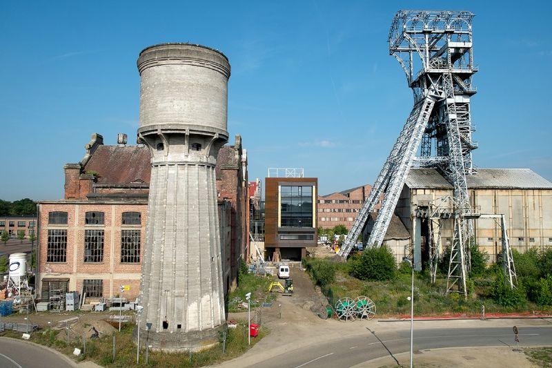 De voormalige steenkoolmijn wordt gerestaureerd en gerenoveerd tot een multifunctionele voorziening.