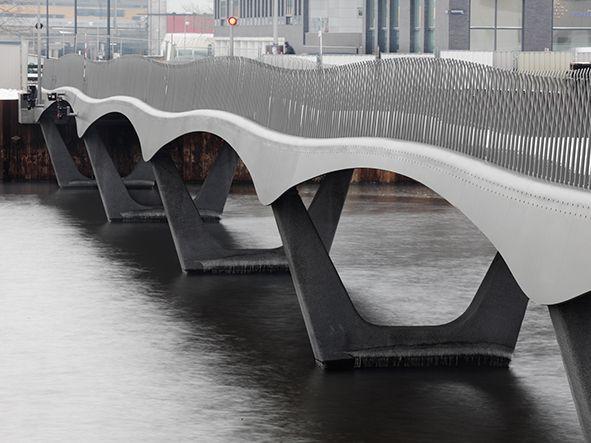 Vluchthavenbrug IJdock