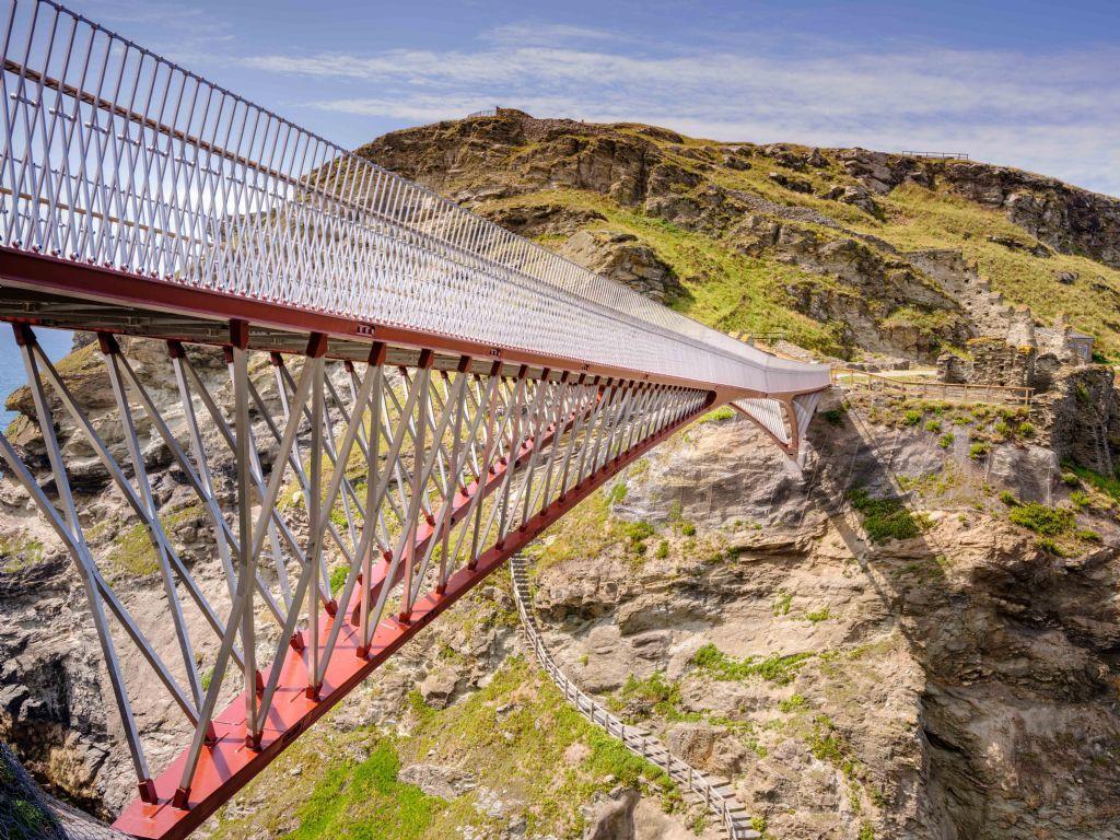 Voetgangersbrug Tintagel van NEY & Partners wint Structural Steel Design Award 2020