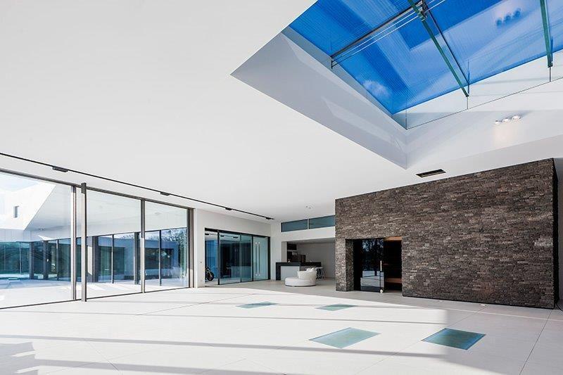 De bewegende vloer kan ook maximaal belast worden, waardoor je er zelfs een feestje kan op geven. (Foto: Group Ceyssens)