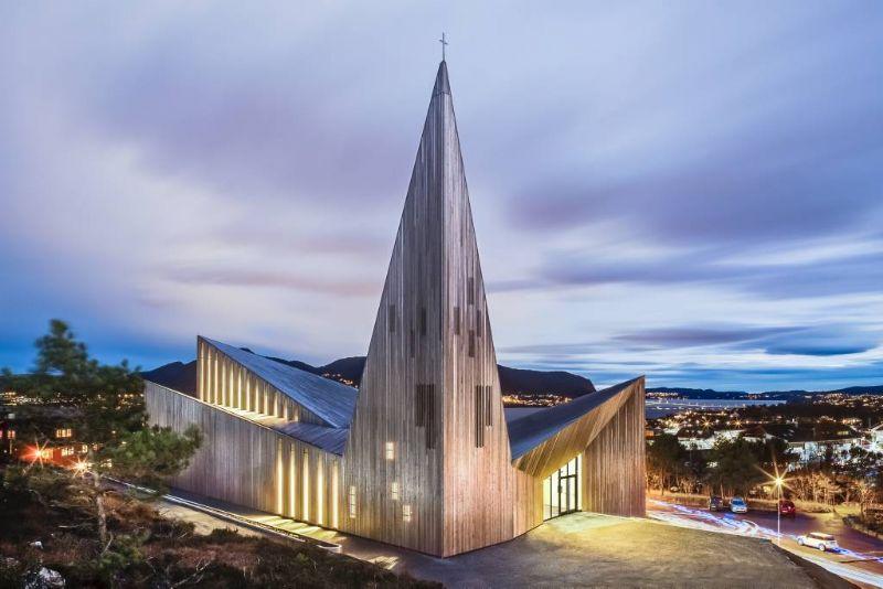 Kerk Knarvik, Laut Reiulf Ramstad.