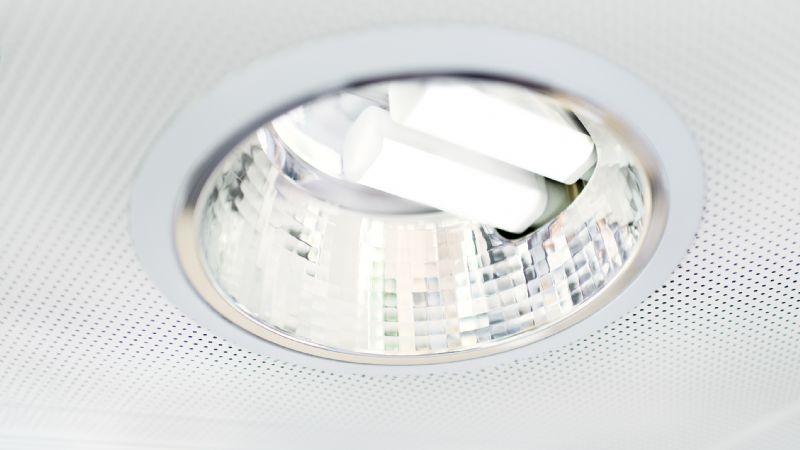 Philips lance la première gamme de LED pour remplacer des lampes CFL en un seul clic