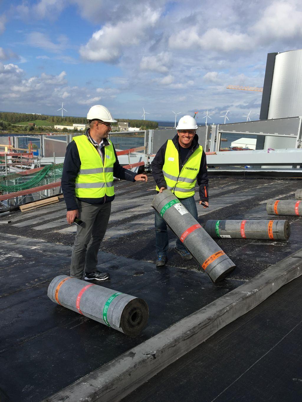 Er was nood aan een uiterst robuust waterdichtingsmembraan om het onderliggende betondek afdoende te beschermen tegen weer, wind en intensief gebruik.