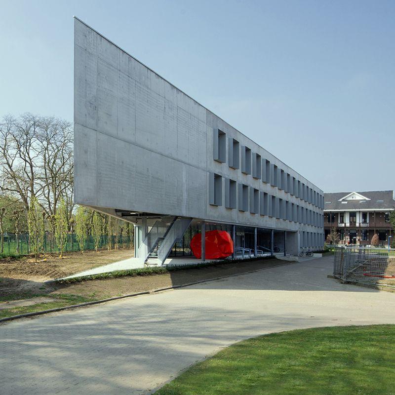 Gebouw I (UA) op Campus Middelheim: bescheiden kunst