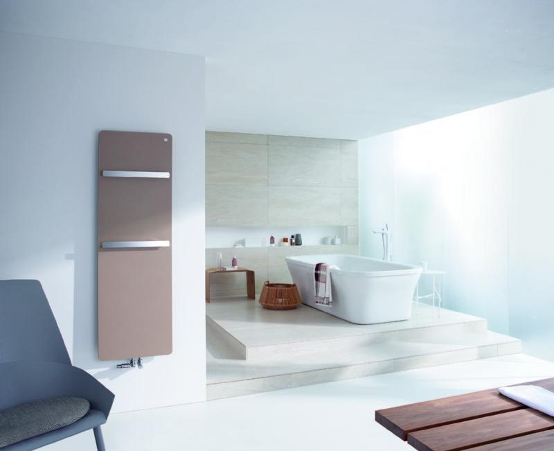 De Zehnder Vitalo Bar is voorzien van één of twee chroom handdoekhouders met aan de linkerzijde een opening om handdoeken eenvoudig en comfortabel op te hangen.
